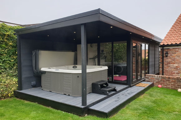 Relaxing Garden Room Hot Tub Retreat Brighton